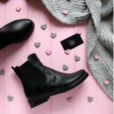 Ботинки челси из черной кожи с принтовыми вставками под питон 12-1V(64)