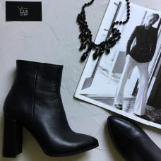 Ботинки на обтяжном каблуке из черной кожи Арт. 35-10/44Ок