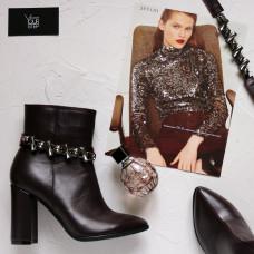 Ботинки на устойчивом каблуке бордового цвета с фурнитурой Арт. 35-10/44Ок-3647