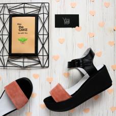 Босоножки из черной кожи со вставкой цвета персик на высокой подошве Арт. 352-1