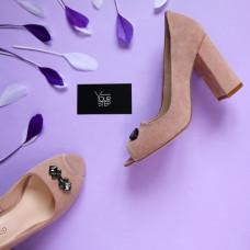 Туфли из замши цвета персик с фурнитурой Арт. 95-4/44ОК-3685