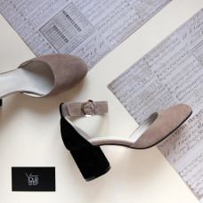 Босоножки из бежевой замши с черной пяткой на низком каблуке Арт. 605-6/45Ок