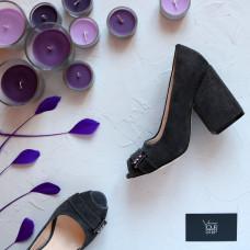 Туфли из замши серого цвета с фурнитурой Арт. 95-4/49ОК-2550