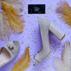 Туфли из велюра бежевого цвета с фурнитурой Арт. 95-4/44ОК-2549