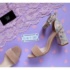 Босоножки цвета бледный персик с принтовым обтяжным каблуком Арт. 853-3/48Ок
