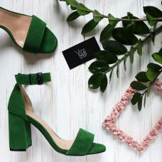 Босоножки из ярко-зеленой замши с обтяжным каблуком Арт. 853-3/48Ок