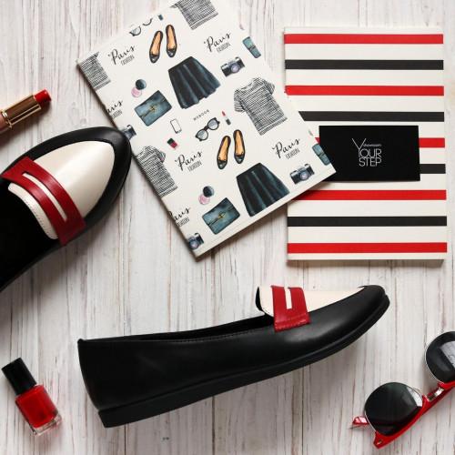 Балетки из черной кожи с бежевой вставкой и красной полоской на черной подошве Арт. 16-3VG
