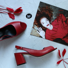 Босоножки из красной кожи на низком каблуке Арт. 605-9/47Ок
