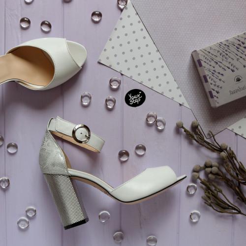 Босоножки из белой кожи с принтовой пяткой на серебряном каблуке Арт. 95-6/42Serebro