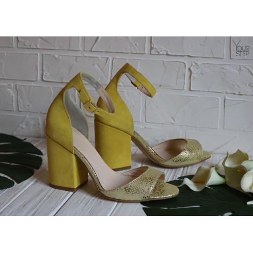 Босоножки из желтого нубука с принтом под питон на обтяжном замшевом каблуке Арт. 95-11/49Ок