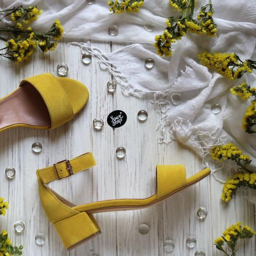 Босоножки из замши цвета лимон на обтяжном каблуке Арт.: 615-3/415-32Ок