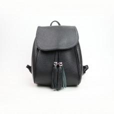 Рюкзак из мягкой кожи флотар черного цвета с декоративными кисточками Арт. YS-6045
