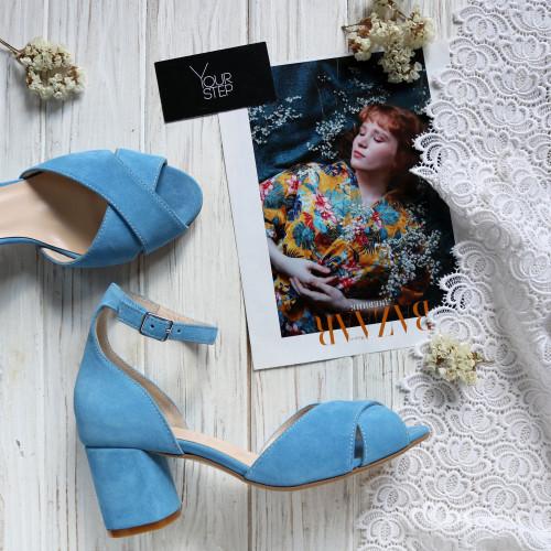 Босоножки из замши голубого цвета на низком каблуке Арт. 605-10/45Ок