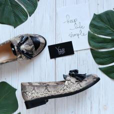 Лоферы с декоративными кисточками из нубука с принтом под змею Арт. 05-15(Mar4)