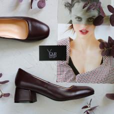 Туфли из кожи цвета бордо на низком каблуке Арт. 456-1/53Ок