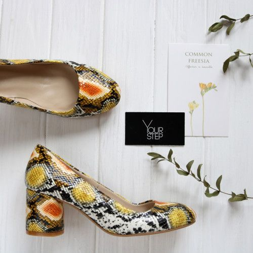 Туфли из желто-оранжевой кожи с тиснением под змею Арт. 605-4/45Ок