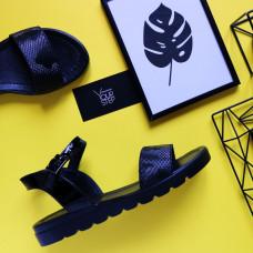 Босоножки черного цвета с принтом под камуфляж на черной подошве Арт. 10-5