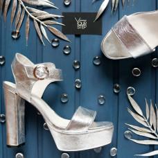 Босоножки на высоком каблуке из кожи цвета серебро Арт.: 853-2Ок