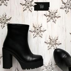 Ботинки из черной кожи на устойчивом каблуке Арт. 18-6(Al4)