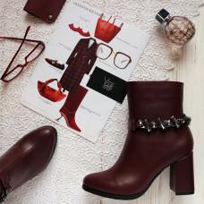 Ботинки бордового цвета с фурнитурой на каблуке Арт. 52-3Ок-3647