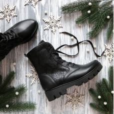 Ботинки из черной кожи со вставками под питон со шнуровкой на тракторной подошве Арт. 12-6(S2)