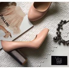 Туфли из кожи цвета пудра на серебряном каблуке Арт. 95-1/42Serebro